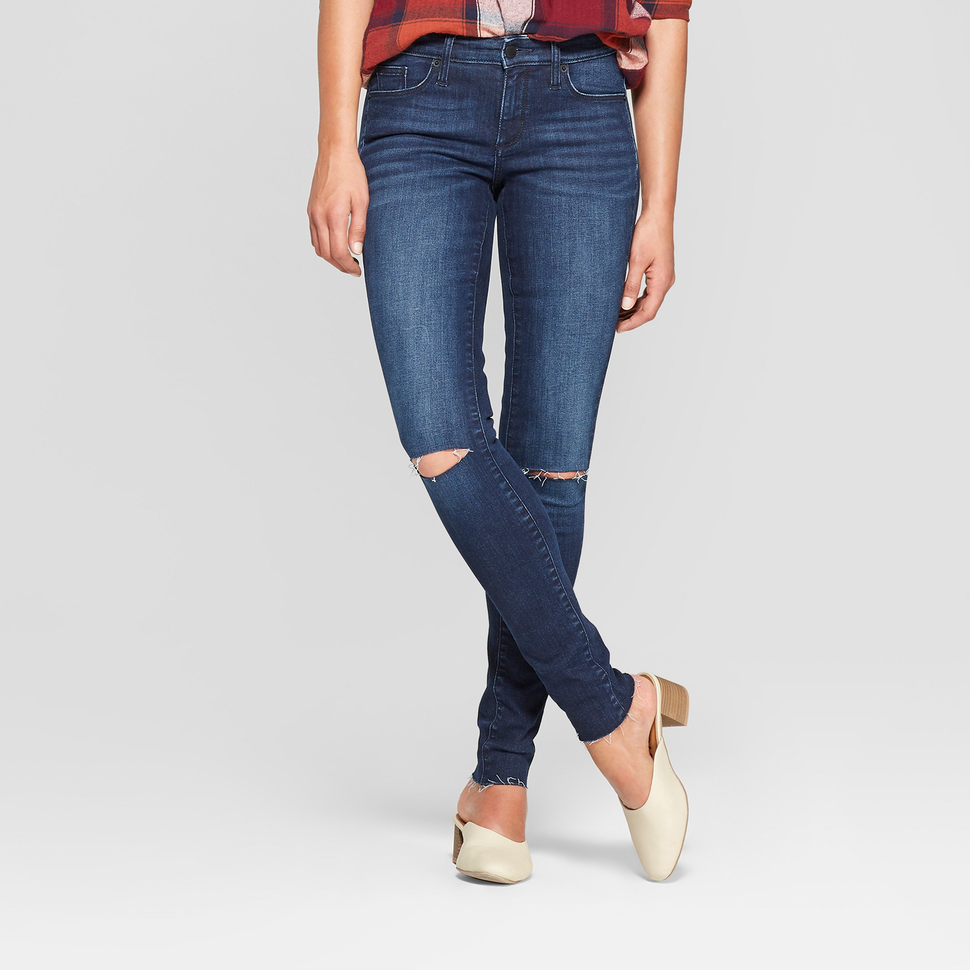 Women's Mid-Rise Slit Knee Distressed Skinny Jeans - Universal Thread Dark Wash 8, Blue