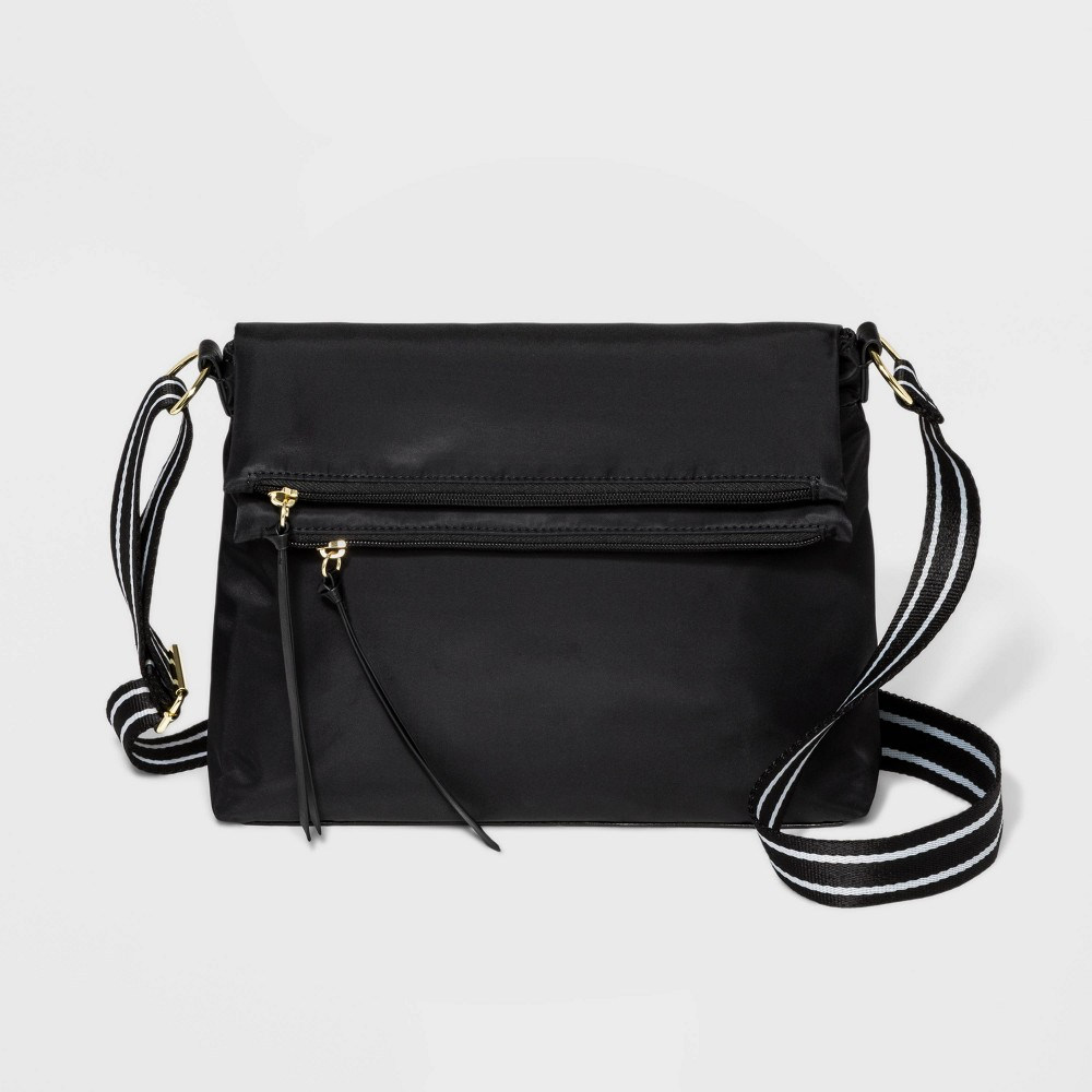 Image of Bueno Flap Crossbody Bag - Black, Women's, Size: Small