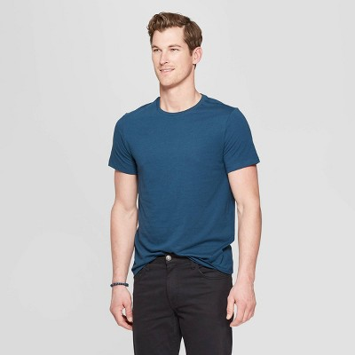 01bf2f9b4f9a07 Men s Standard Fit Short Sleeve Lyndale Crew Neck T-Shirt - Goodfellow ...