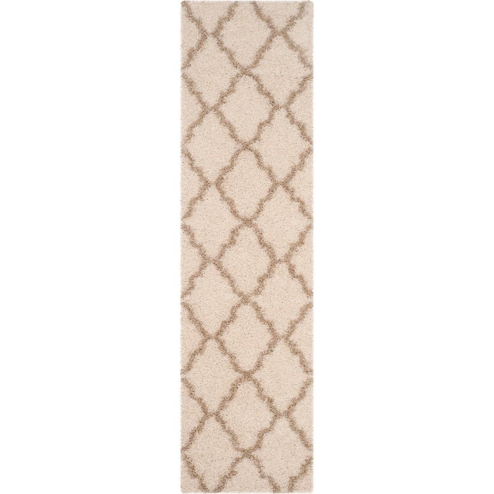 2'3X10' Quatrefoil Design Loomed Runner Ivory/Beige - Safavieh