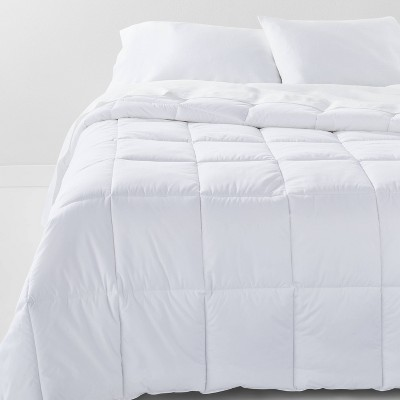 Full/Queen Ultra Weight Down Alternative Comforter - Casaluna™