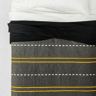 Full/Queen Street Striped Cotton Quilt - Pillowfort™