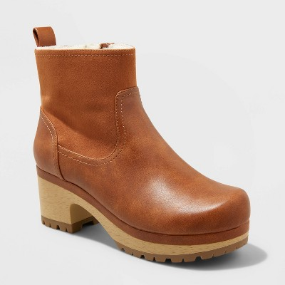 Women's Maisie Clog Boots - Universal Thread™