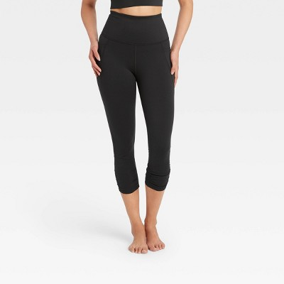Women's Ultra High-Rise Capri Leggings - All in Motion™
