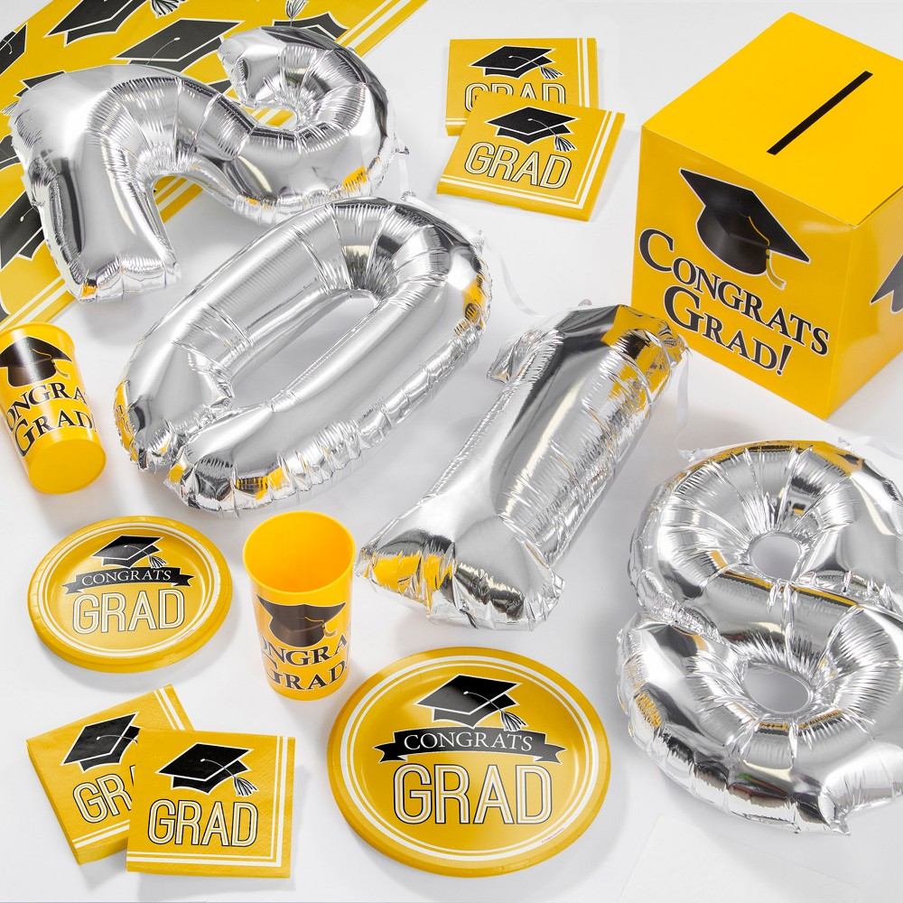 Yellow Large 2018 Graduation School Party Supplies Kit