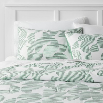 Geo Printed Microfiber Comforter Set with White Sheets - Room Essentials™