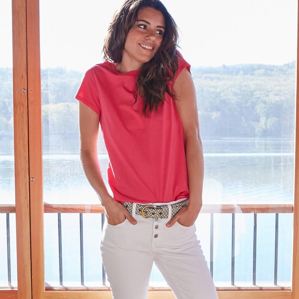 Cheap Women's Short Seeve T-Shirt - Universa Thread™