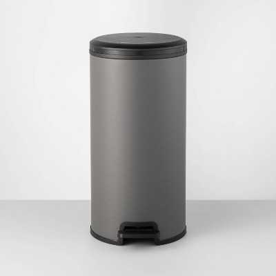 30L Round Step Trash Can Gray - Made By Design™