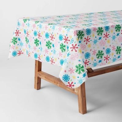 "60"" x 84"" Snowflake Tablecloth - Wondershop™"