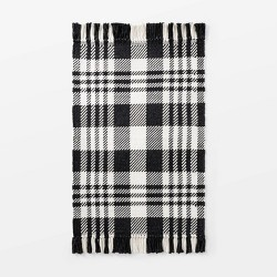 "2'1""x3'2"" Indoor/Outdoor Scatter Plaid Rug Black - Threshold™ designed by Studio McGee"