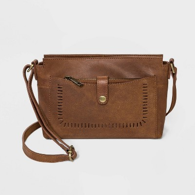 Bolo Geometric Leather Crossbody Bag With Pouch