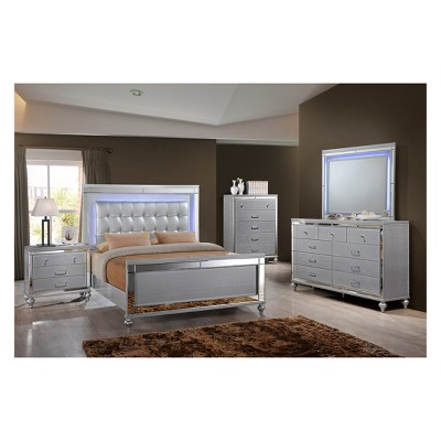 Kelly Bedroom Set White/Silver - Home Source Industries : Target