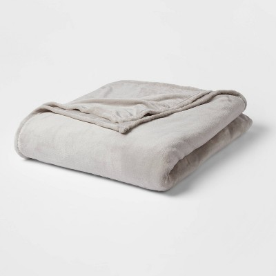 Full/Queen Solid Plush Bed Blanket Gray - Room Essentials™