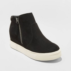 Women's Cindy Faux Leather Platform Wedge Sneakers - Universal Thread™