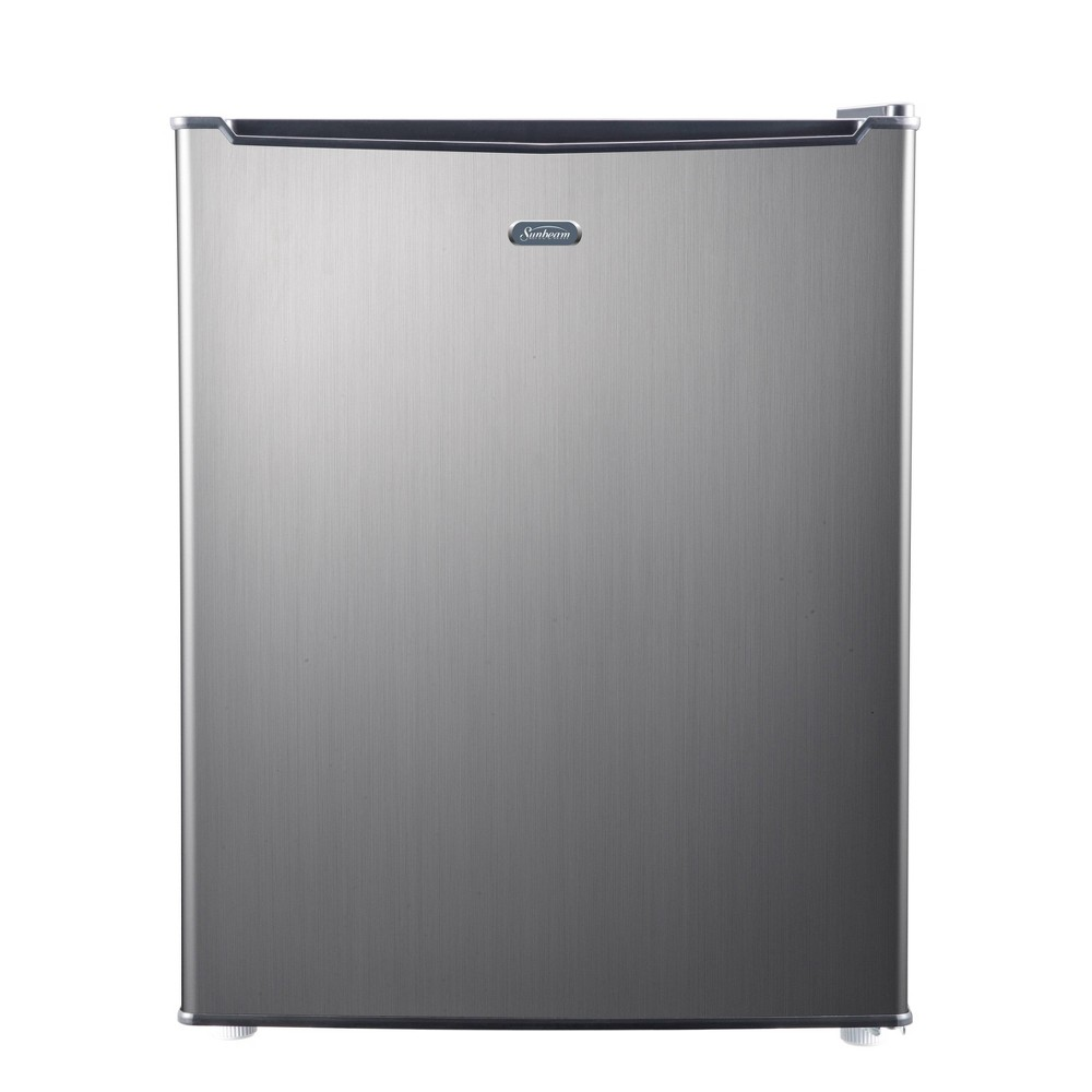 Sunbeam 2.7 cu ft Mini Refrigerator - Silver SGR27MS1E Keep your drinks and perishable items cool and fresh with this stylish 2.7 cubic foot Sunbeam mini refrigerator. This unit is perfect for a college dorm, home office or any other small compact space. This unit includes manual defrost, a recessed handle, 2 wire shelves and a 4 can dispenser. This unit also includes a one year limited warranty.