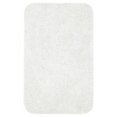 Everyday Solid Bath Rug (20x32)True White - Room Essentials™