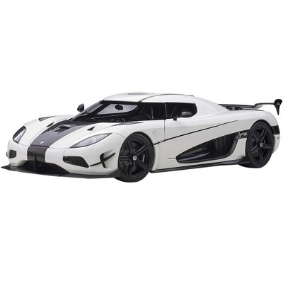 Koenigsegg Agera RS White and Carbon Black 1/18  Model Car by Autoart