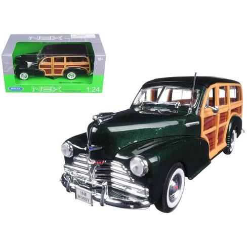 1948 Chevrolet Woody Wagon Fleetmaster Green 1//24 Diecast Model Car by Welly