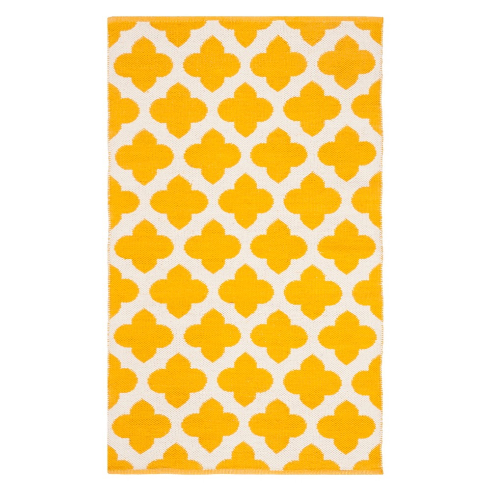 3'X5' Quatrefoil Design Woven Accent Rug Yellow/Ivory - Safavieh