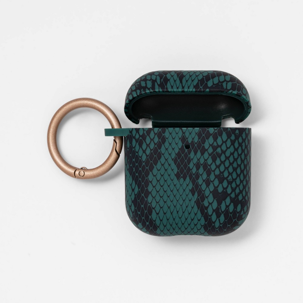 heyday Airpod Case - Snake Skin Print Green heyday Airpod Case - Snake Skin Print Green Color: Snake Skin Green. Gender: unisex.