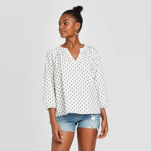 Women's Long Sleeve V-Neck Shirt - Universal Thread™ - image 1 of 3