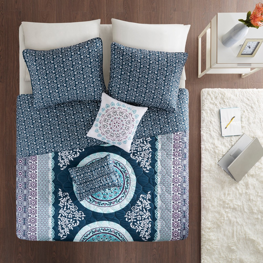Image of 4pc Twin/Twin XL Blaire Printed Coverlet Set Navy