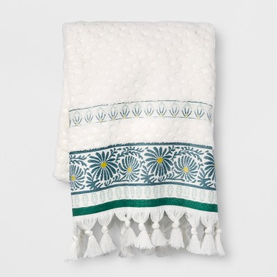 Peacock Feather Border Bath Towel White - Opalhouse™