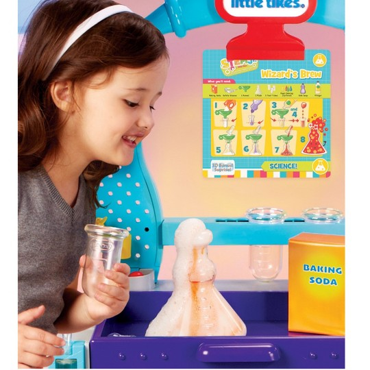 Little Tikes STEM Junior Wonder Lab Toy with Experiments for Kids image number null