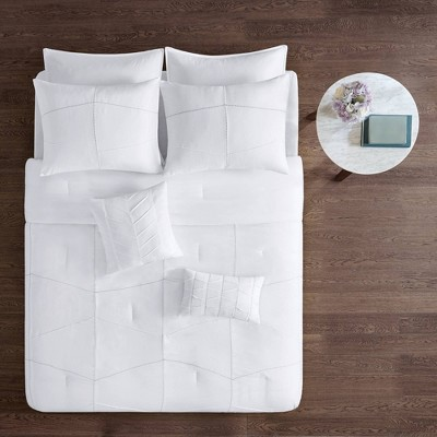 Onida California King 8pc Comforter and Sheet Set White