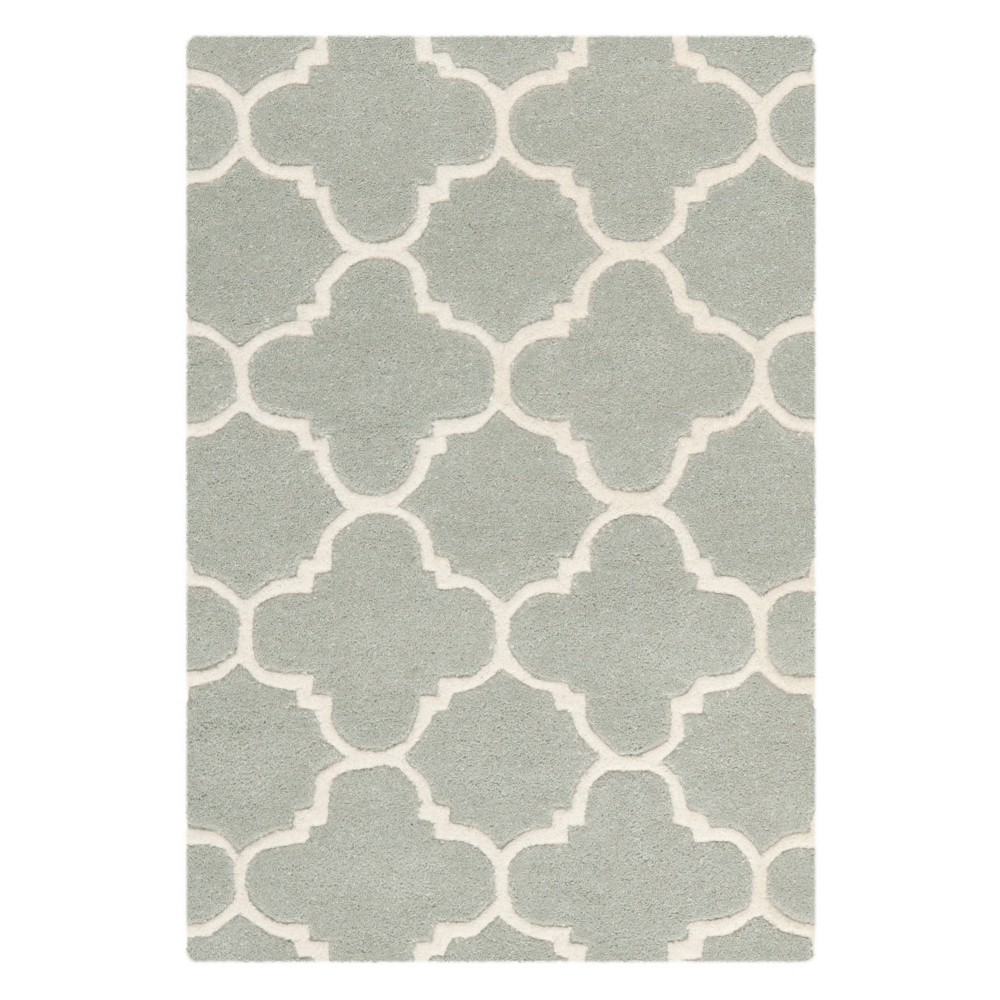 2'X3' Quatrefoil Design Tufted Accent Rug Gray/Ivory - Safavieh