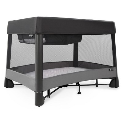 4moms breeze plus One-Handed Set-Up Playard with a Removable Bassinet and Changer - Black