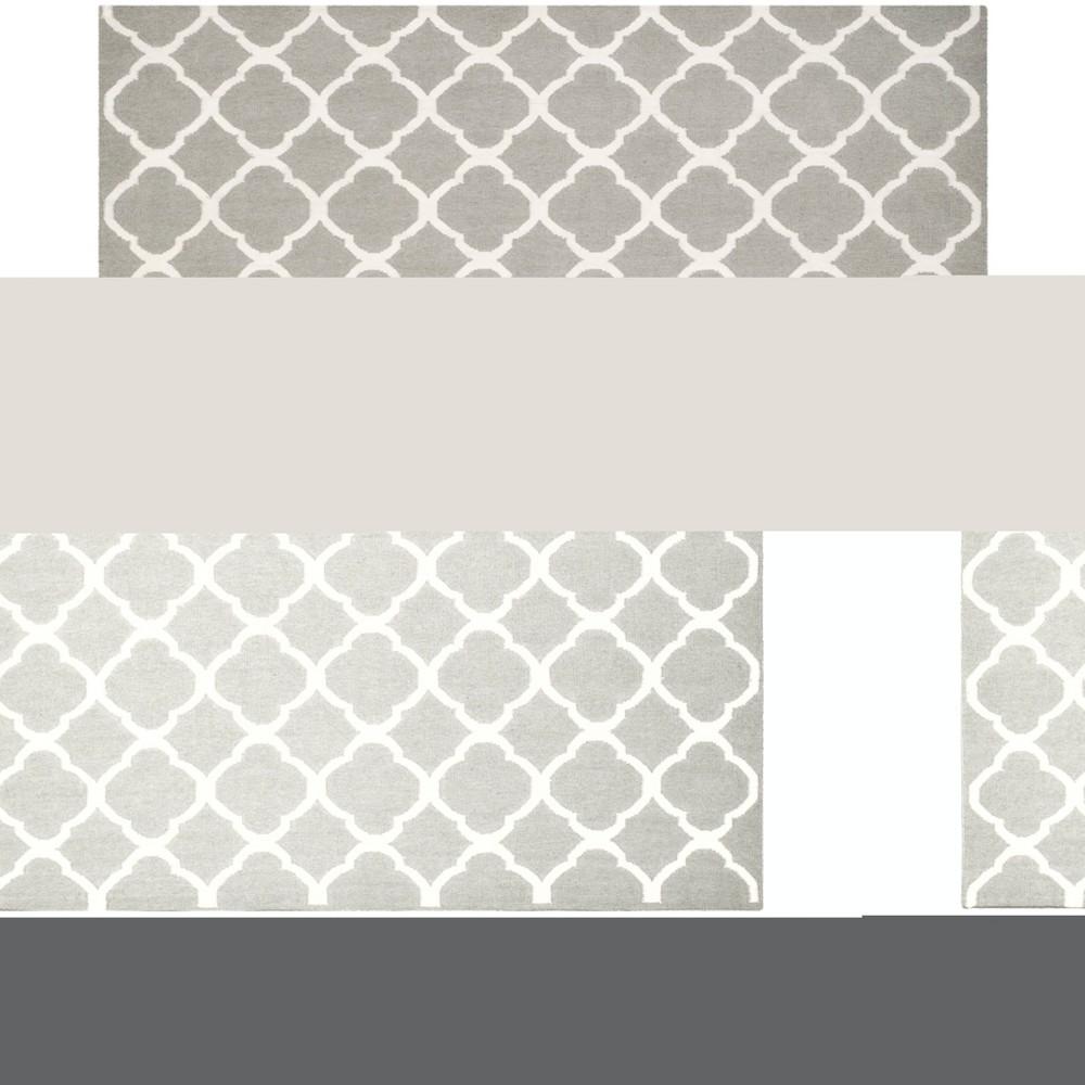 8'X10' Woven Quatrefoil Design Area Rug Gray - Safavieh, Gray/Ivory