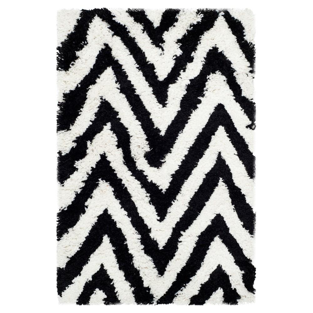 Nori Accent Rug - Ivory / Black (2'6 X 4') - Safavieh