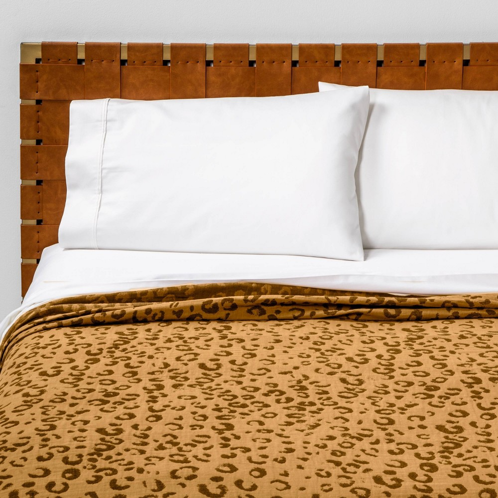 Image of Full/Queen Leopard Spot Matelasse Quilt Brown - Opalhouse
