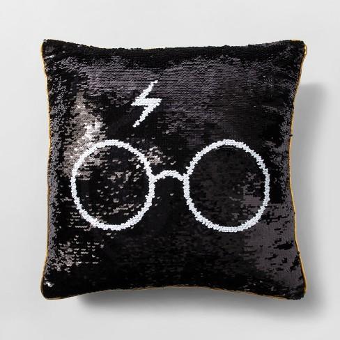 harry potter throw pillow black gold