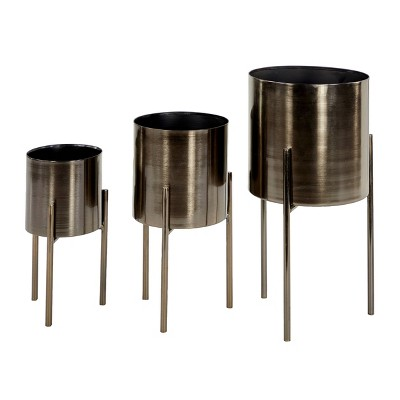 """18"""" Contemporary Metal Planters with Stands Black/Silver - Olivia & May"""