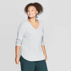 Women's Plus Size Long Sleeve V-Neck Cozy Top - Ava & Viv™