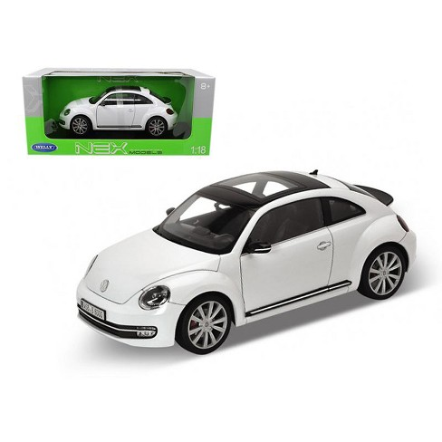 2012 Volkswagen New Beetle White 1/18 Diecast Car Model by Welly - image 1 of 1