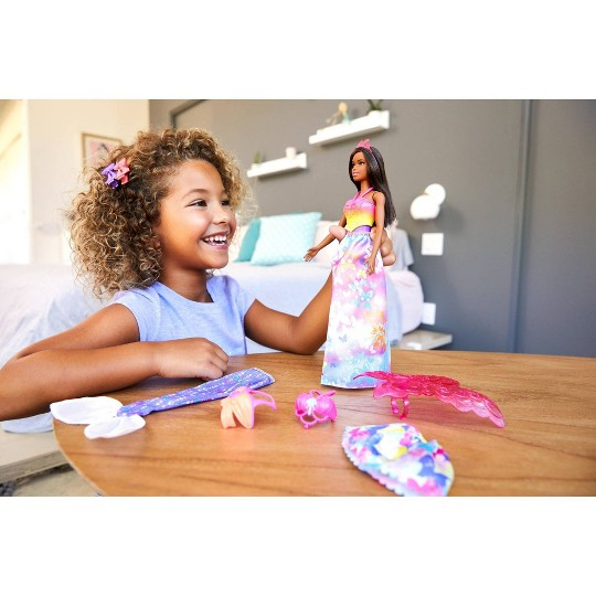 Barbie Dreamtopia Dress Up Brunette Doll Giftset image number null