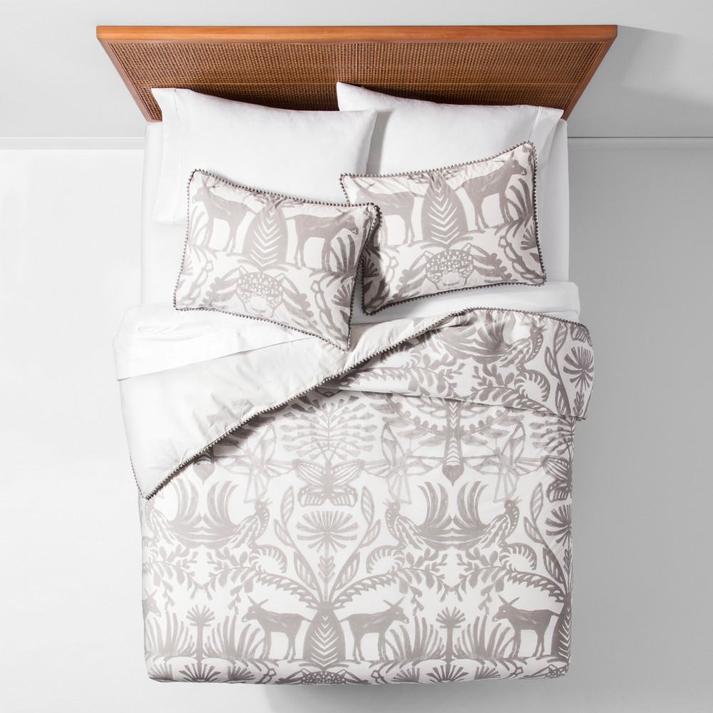 Eulalia White Animal Print Duvet Cover Set (King) - Opalh...