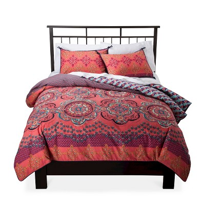 Coral Nadia Medallion Reversible Bedding Collection