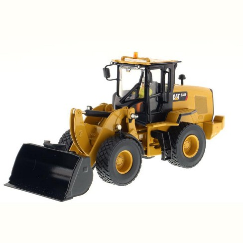 """CAT Caterpillar 621K Wheel Tractor Scraper with Operator """"High Line Series"""" 1/50 Diecast Model by Diecast Masters - image 1 of 2"""