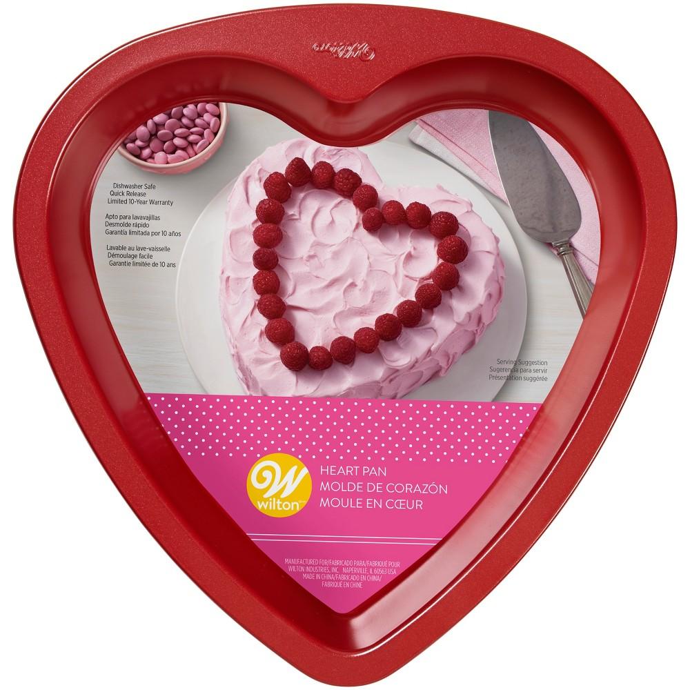 Heart shaped baking pan for making cheesecake flan