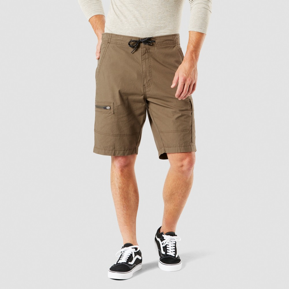 "Image of ""DENIZEN from Levi's 10.5"""" Relaxed Fit Cargo Shorts - Olive Tree 30, Men's, Green Tree"""