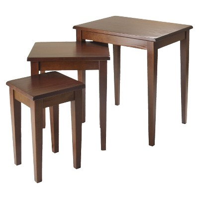 Ordinaire 3 Piece Regalia Nesting Table Walnut   Winsome
