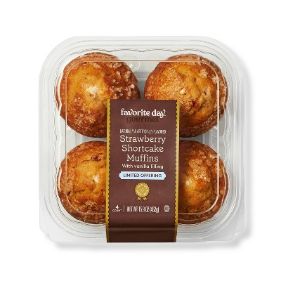 Strawberry Shortcake Vanilla Filled Muffins - 15.9oz/4ct - Favorite Day™