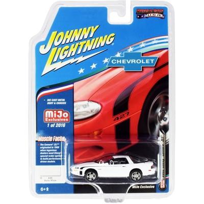 "2002 Chevrolet Camaro ZL1 427 Arctic White ""Muscle Cars USA"" Ltd Ed 2016 pcs 1/64 Diecast Model Car by Johnny Lightning"