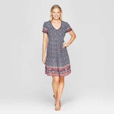 826545dccfb0 Women s Short Sleeve V-Neck Shift Midi Dress With Embroidery - Knox Rose™  Navy