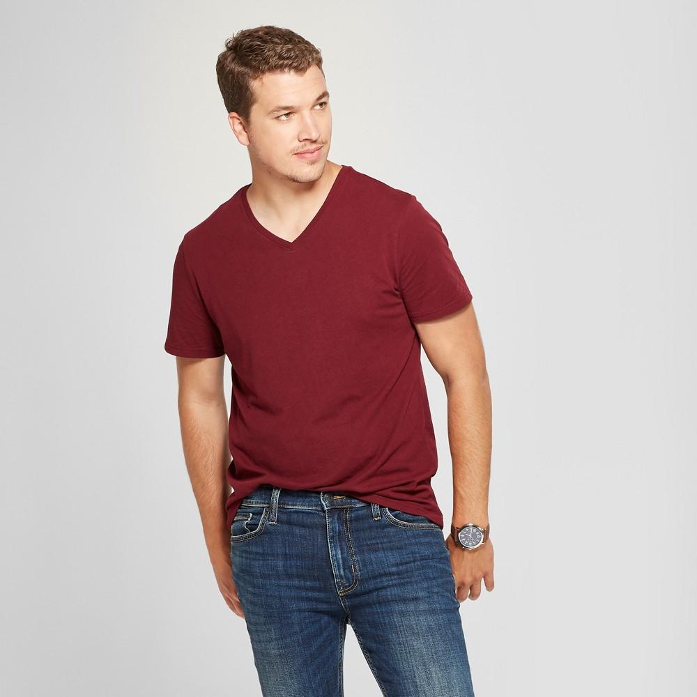 Men's Standard Fit V-Neck Short Sleeve T-Shirt - Goodfellow & Co Berry Cobbler XL