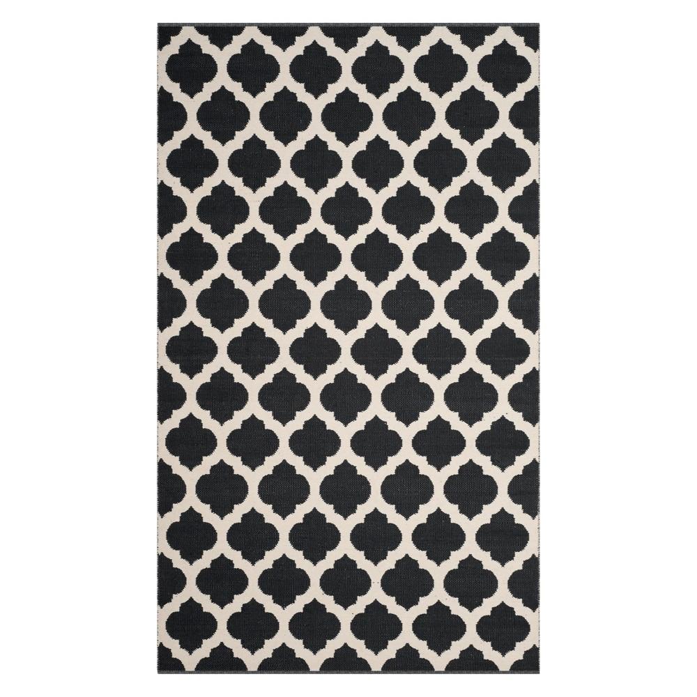 5'X8' Quatrefoil Design Woven Area Rug Black/Ivory - Safavieh
